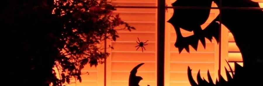 spooky window lighting effect